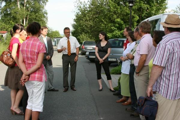 Die CSU auf Tour besuchte dieses Mal das Soziotherapeutische Zentrum in der Pleierstraße. Mitte: Bürgermeister Franz Stahl, links Leiter Thomas Fehr.