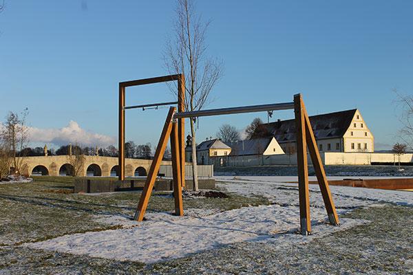 Schaukelspaß bei Gartenschau Natur in Tirschenreuth