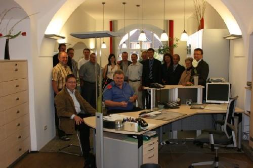 Vor der Vorstandssitzung des CSU-Ortsverbandes gab es eine Führung durch das sanierte Erdgeschoss des Rathauses.