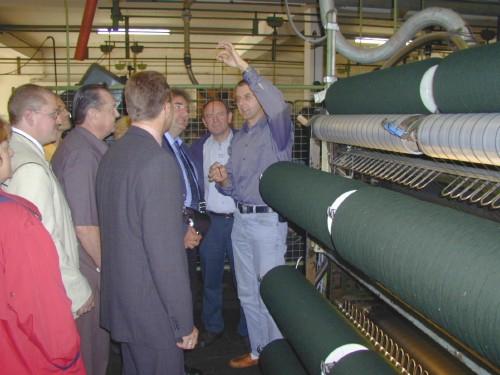 Über die Jahrhunderte entwickelte sich die Firma Mehler zu einer modernen Tuchfabrik. Heute führen Paulus und Ludwig Mehler die Tuchfabrik GmbH mit ca. 60 Beschäftigten.Da der Modetrend in den letzten Jahrzehnten stark in Richtung Loden ging, wurden die Hauptprodukte auf Trachten- und Folklorestoffe ausgerichtet. Der Anteil des Lodens an der Gesamtproduktion beläuft sich auf mehr als 80 %.